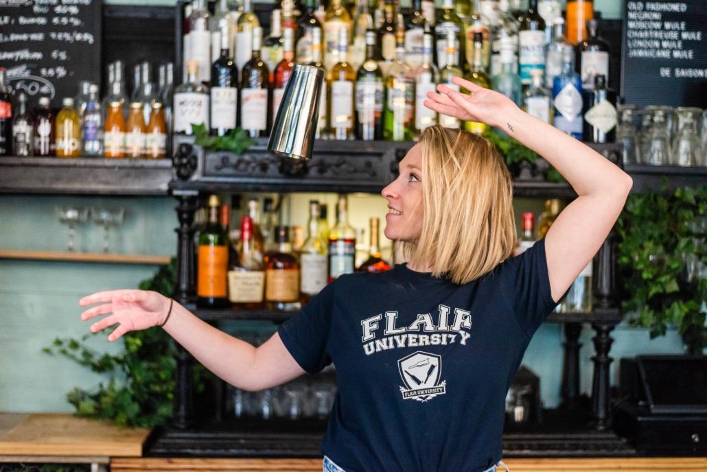Anne-Lise jouenne flair bartender
